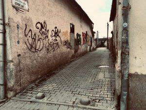 Okružná ulica v Moldave nad Bodvou, ktorú obyvatelia vnímajú ako nebezpečné miesto